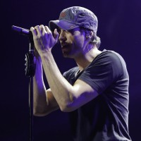 Enrique Iglesias , Jingle Ball